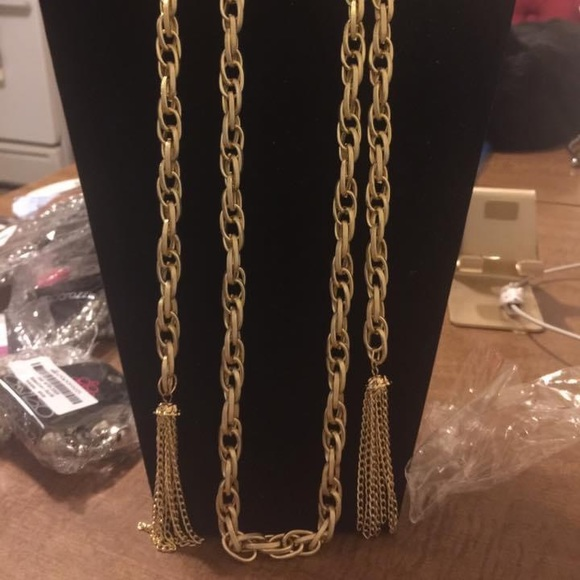 Gold paparazzi scarf necklace